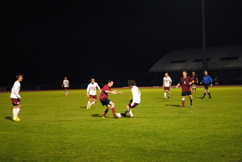 Ingham Leads Men's Soccer Past Earlham