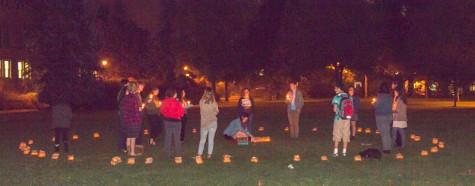 Feature Photo: J Street U Holds Candlelight Vigil