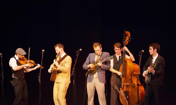 %28From+left%29+Punch+Brothers+members+Gabe+Witcher+on+violin%2C+Chris+Eldridge%2C+OC+%E2%80%9904%2C+on+guitar%2C+frontman+Chris+Thile+on+mandolin%2C+Paul+Kowert+on+double+bass+and+Noam+Pikelny+on+banjo+lock+into+a+rhythm+during+their+Artist+Recital+Series+performance+in+Finney+Chapel+Sunday+night.+The+bluegrass+group+demonstrated+their+talent+and+chemistry%2C+but+focused+on+diversity+of+repertoire+at+the+expense+of+crowd-pleasing+favorites.