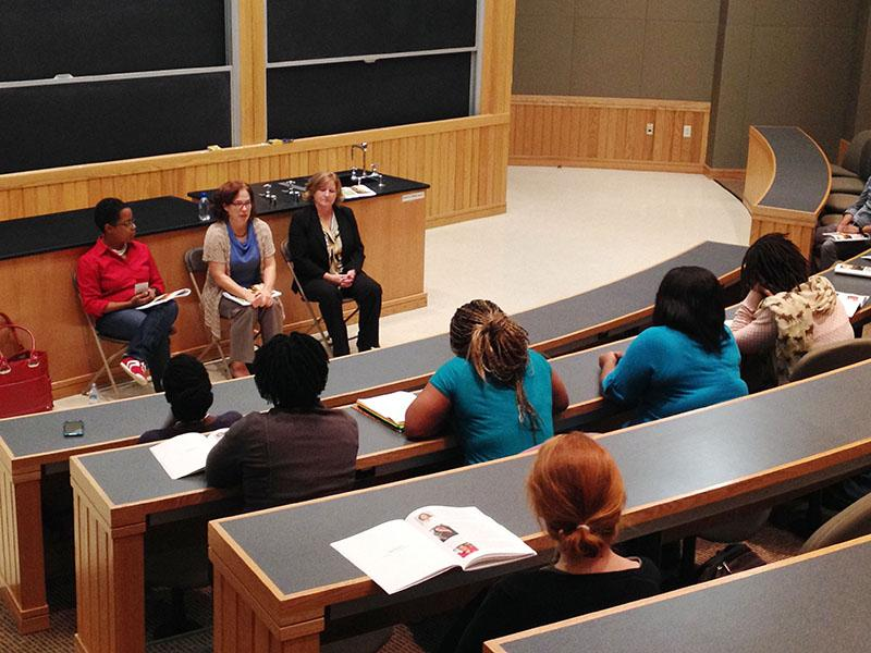 Students+listen+to+alumni+panelists+discuss+the+undergraduate+research+they+conducted+at+Oberlin.+The+panel+was+part+of+the+Celebration+for+Undergraduate+Research%2C+which+honored+research+by+natural+and+social+science+students.
