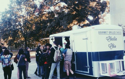 The North Coast Toast Truck serves food outside of Mudd library in the fall of 2013. Oberlin City Council is debating a new ordinance which would establish regulations to allow food trucks in Oberlin.