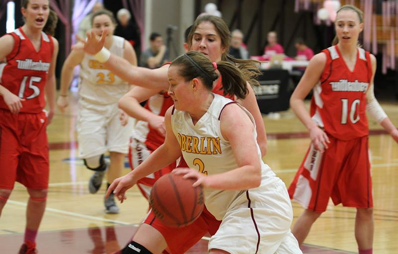 Senior+guard+Christina+Marquette+dribbles+past+a+defender+in+an+NCAC+playoff+game+against+Wittenberg+University+on+Sunday.+Marquette+finishes+her+career+holding+the+all-time+scoring+and+rebound+record+for+Oberlin+women%E2%80%99s+basketball+as+one+of+the+most+decorated+players+in+the+program%E2%80%99s+history.