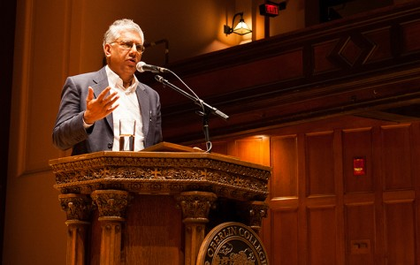 Pulitzer Prize-winning poet Vijay Seshadri, OC '74, returned to Oberlin this past Tuesday to present the year's final con- vocation. His talk featured selections from his most recent poetry collection, 3 Sections, and older material.