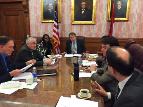 Senator Sherrod Brown meets with officials in Cleveland. Brown recently introduced legislation to protect communities in Ohio from unsafe levels of lead in drinking water.