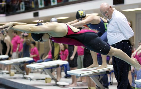 Oberlin Hangs Tough at Conference Meet