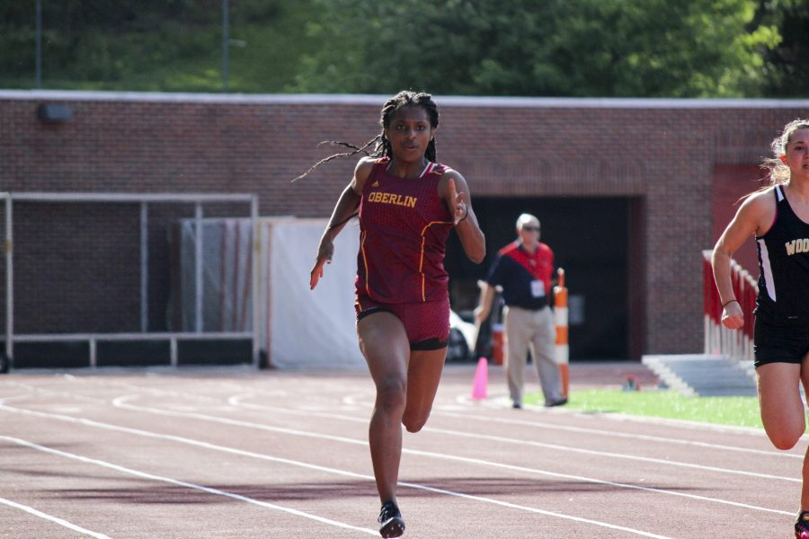 Sophomore+sprinter+and+pole+vaulter+Imani+Cook-Gist+bested+her+own+60-meter+dash+record%2C+posting+a+time+of+7.89+seconds+at+the+Case+Western+Reserve+University+Spartan+Holiday+Classic+last+Saturday.+Cook-Gist+was+named+the+NCAC+Sprinter%2FHurdler+of+the+Week.+