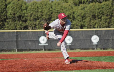 Baseball Rebounds to Split Weekend at Hiram College