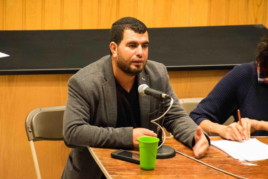 Palestinian+field+researcher+and+spokesperson+Nasser+Nawaj%E2%80%99ah+shared+his+personal+experiences+and+promoted+student+activism+in+Craig+Lecture+Hall+Wednesday.