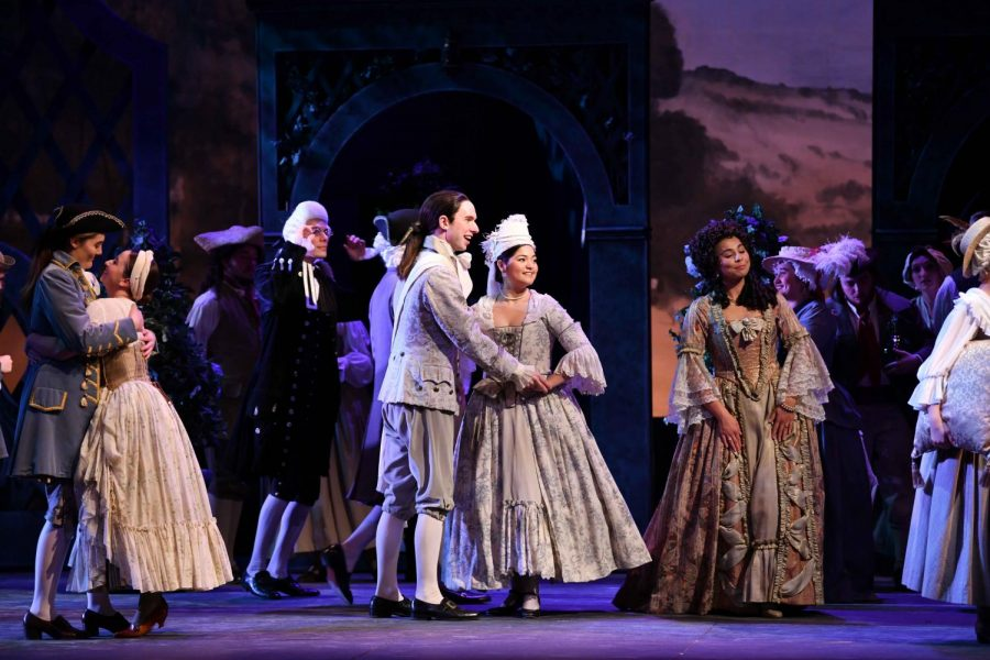 Students+perform+Mozart%E2%80%99s+opera+Le+nozze+di+Figaro%2C+which+opened+Wednesday+night+in+Hall+Auditorium.%0A