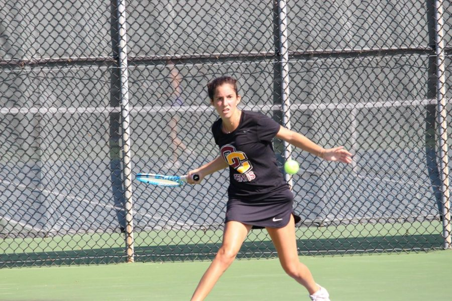 Senior+Mayada+Audeh+warms+up+for+the+ITA+Central+Regionals%2C+hosted+by+Oberlin+in+September.+Over+spring+break%2C+the+Yeowomen+won+all+three+of+their+matches%2C+giving+them+a+six-game+winning+streak+heading+into+conference+play.