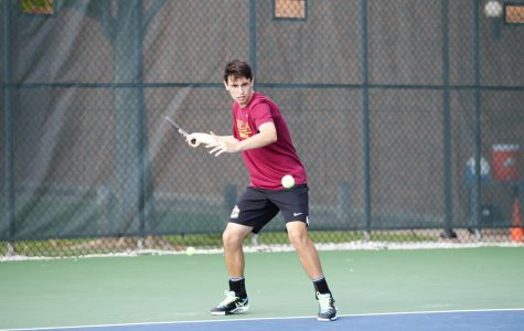 Men's Tennis Gains Momentum, Tops No. 35 Hobart