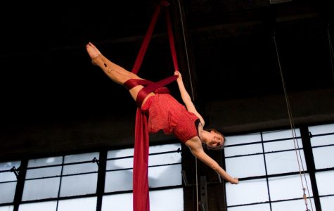 "Oberlin Aerialists Transport Audiences to ""Circus of Dreams"""