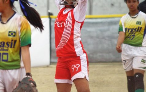 Vianca Dagnino Begins Oberlin Softball Career After Years with Peruvian National Team