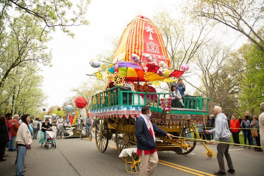 Big Parade Wows Community