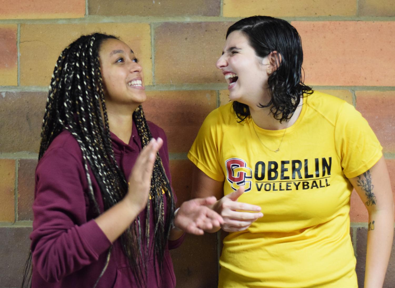 College second-years Kiki Widran and Lauren Fitts. Photo by Malika Pandey, Photo Editor.