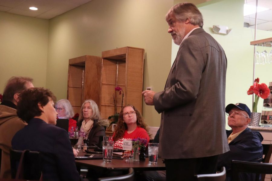 Independent Congressional Candidate Visits Oberlin on Listening Tour
