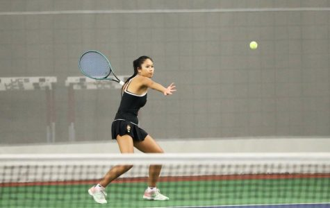 Women's Tennis Rides Momentum