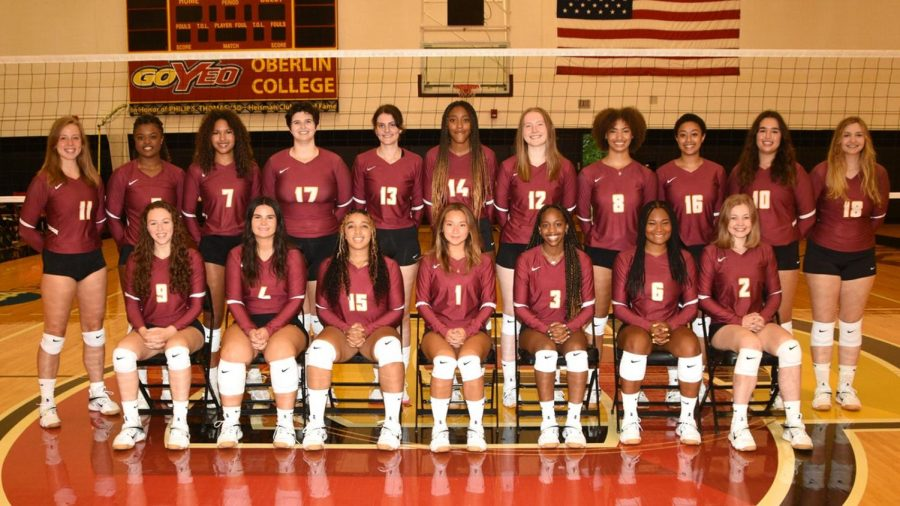 Oberlin volleyball team, 2021.
